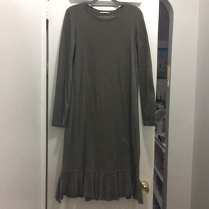 Zara long sleeve midi dress w ruffle hem size S